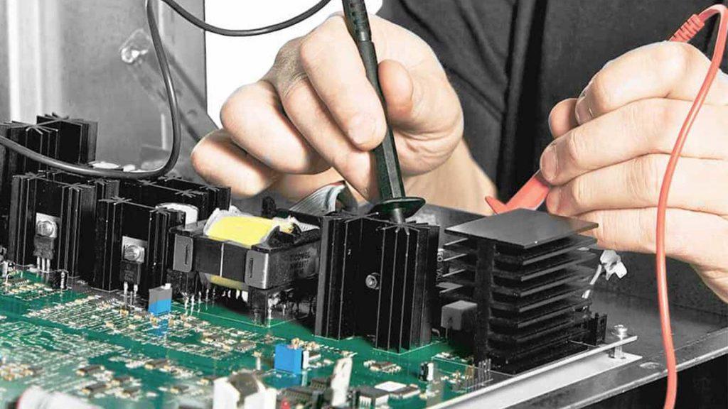 UPS giúp duy trì tốt hoạt động của thiết bị điện