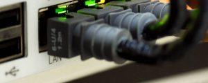 Dòng điện từ UPS Online ổn định hơn