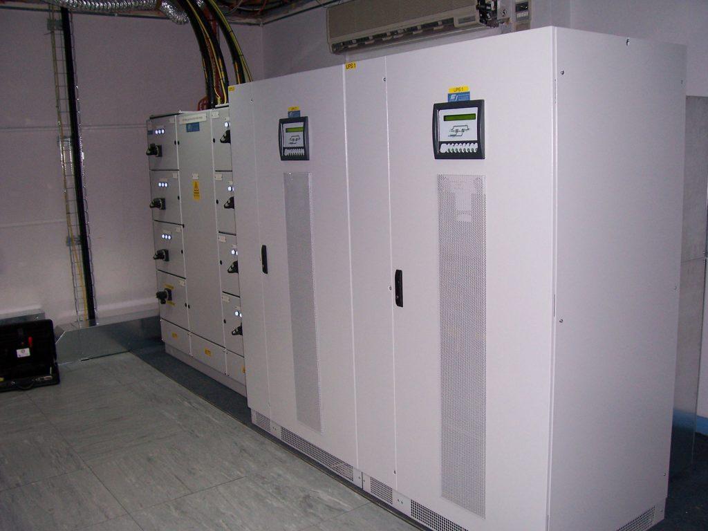 Hệ thống lưu điện UPS